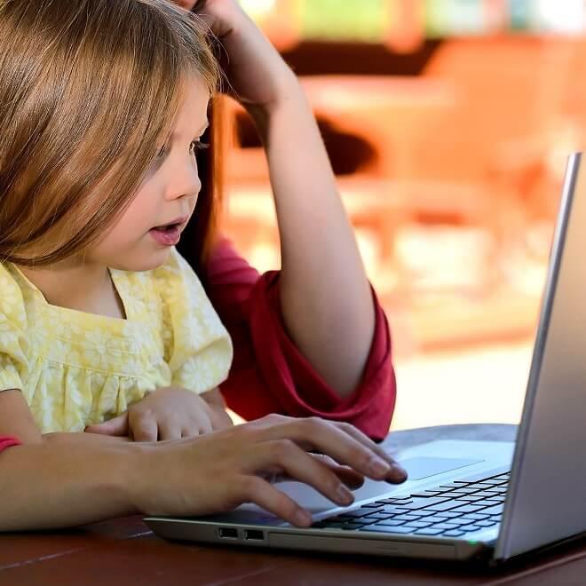 Confinement Et Garde D'enfants : Témoignages Des Super
